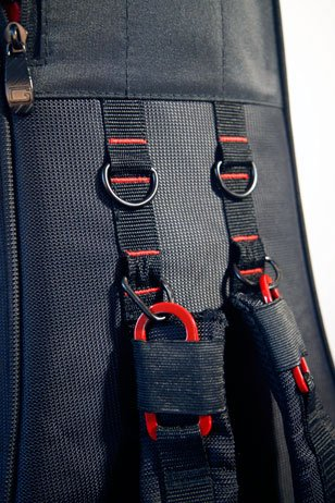 Gator Pro Go review image showing padded shoulder straps